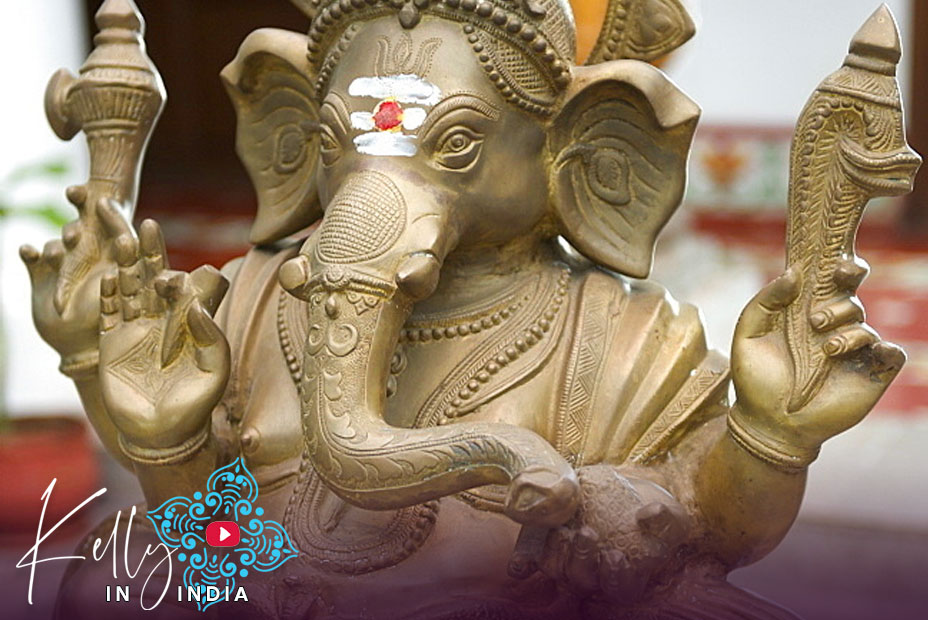 Kelly in India: Episode 03. Seeing Ganesh by Day